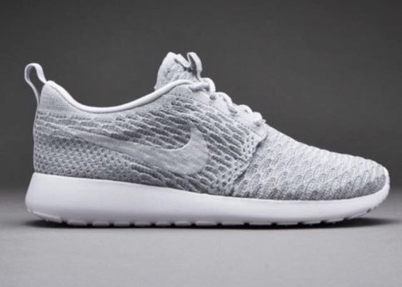 AUTHENTIC Nike Roshe Run Flyknit Wmns, Women's Fashion, Shoes ...
