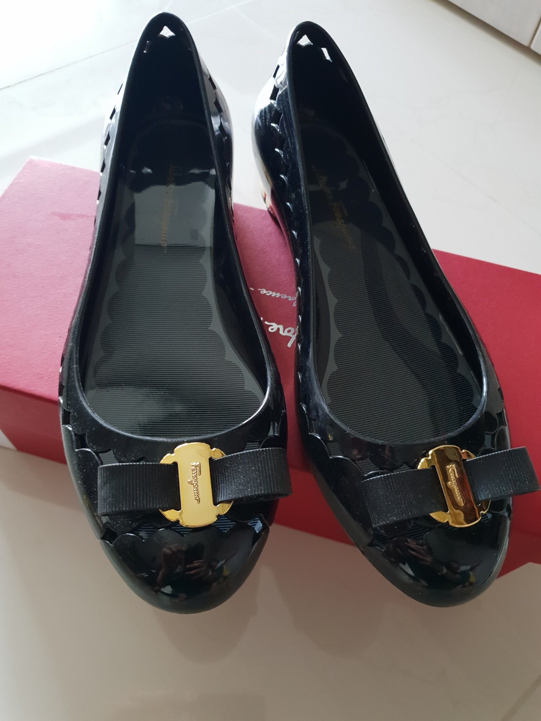 dc93df89b39 Authentic Salvatore Ferragamo Bow Jelly Ballerina Shoes (Black ...