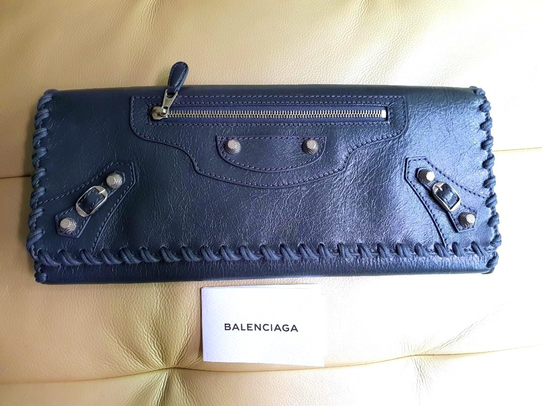 e984cf1943b Authentic Balenciaga Giant Silver Clutch, Women's Fashion, Bags ...