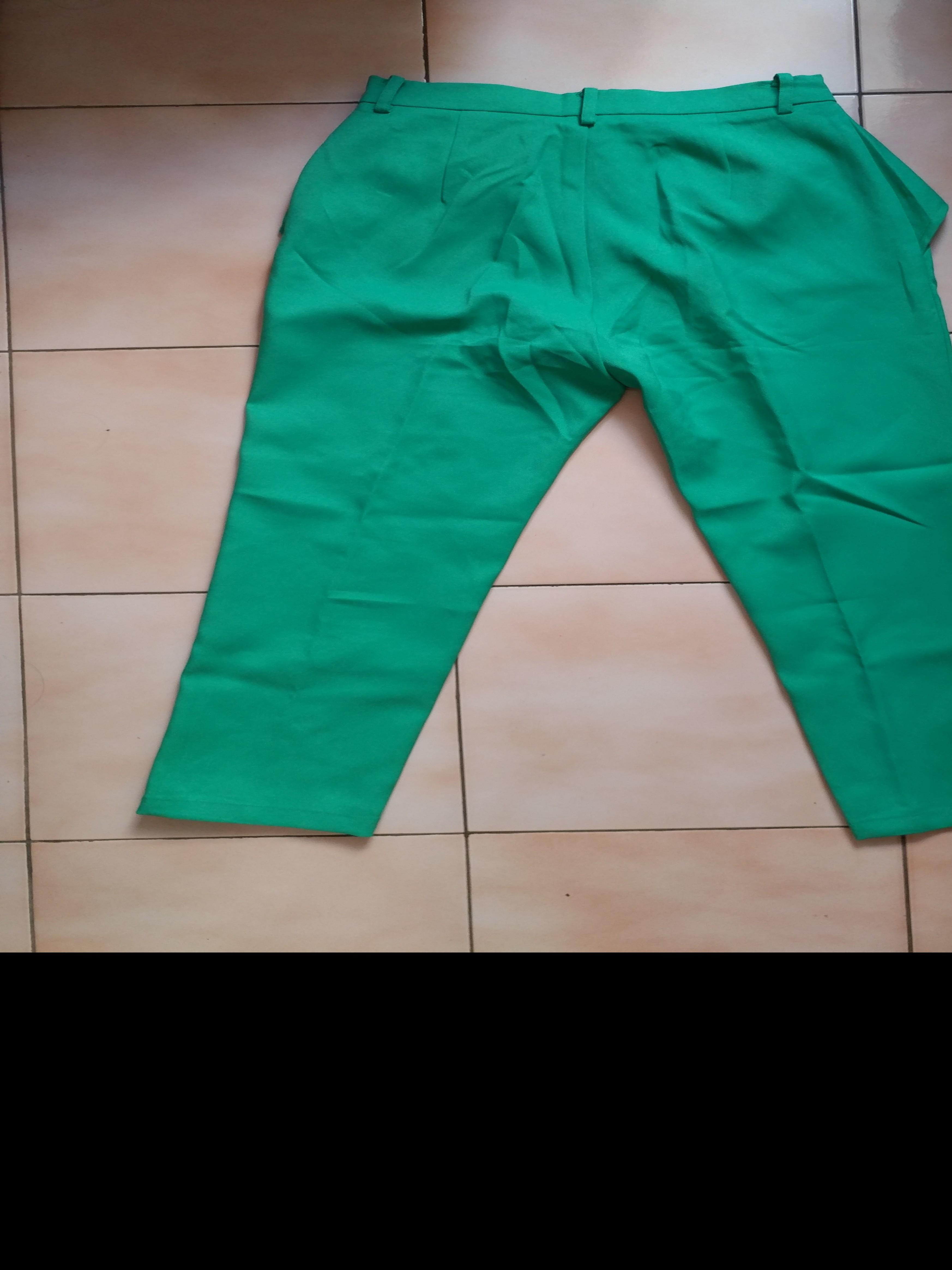 Celana hijau