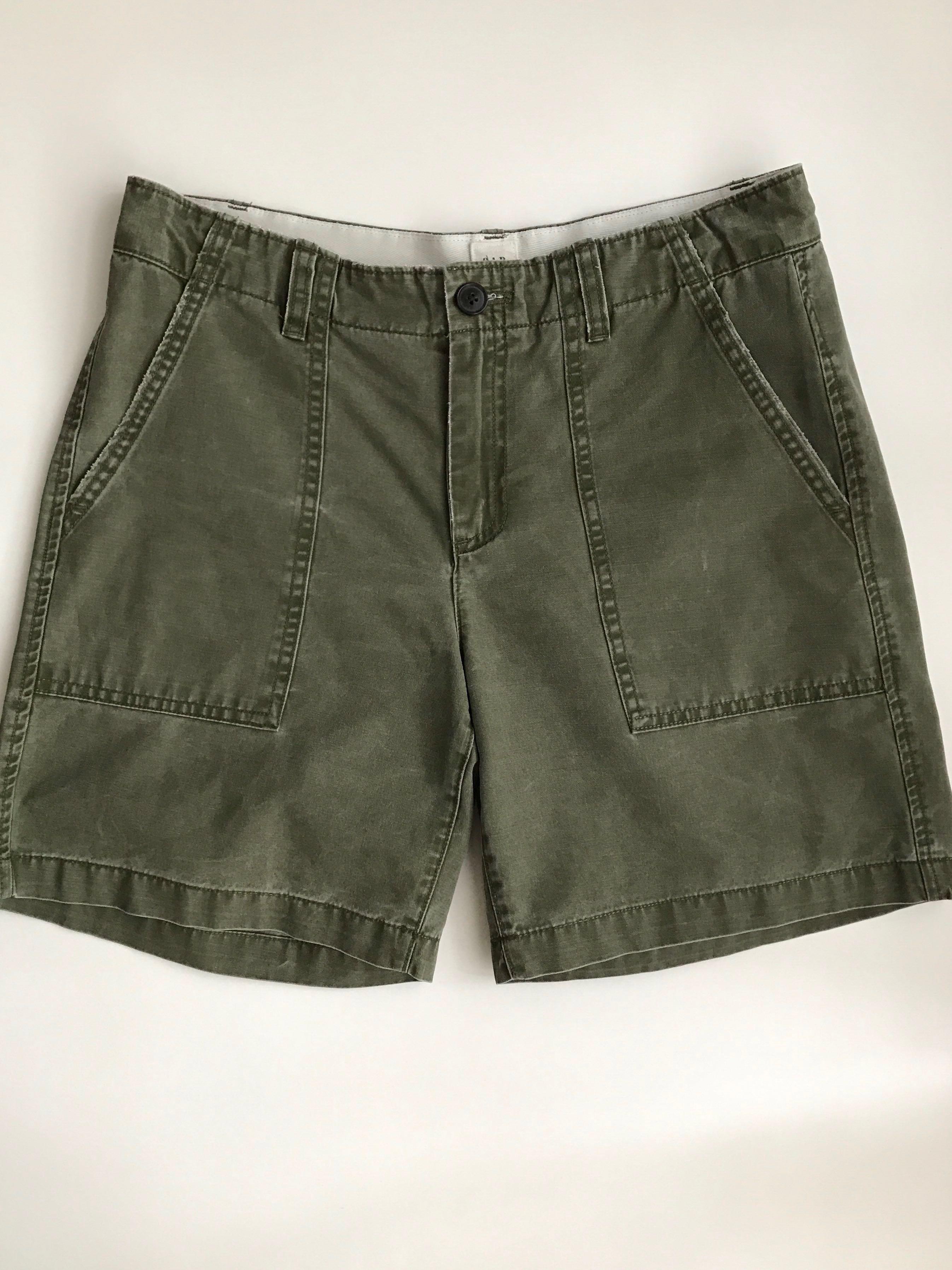 85eb208083 Gap girlfriend chino shorts, size US2, Women's Fashion, Clothes, Pants,  Jeans & Shorts on Carousell