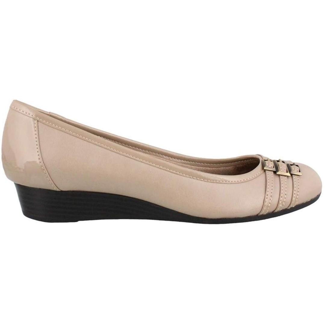 f68e2ac7c92 Lifestride   Naturalizer Nude Wedge shoes