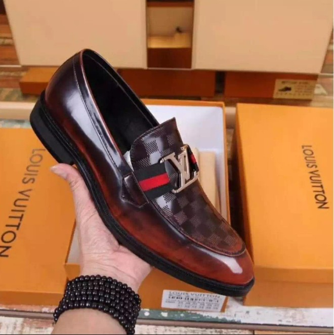 ab0743a9fbd6 LV leather shoes for men