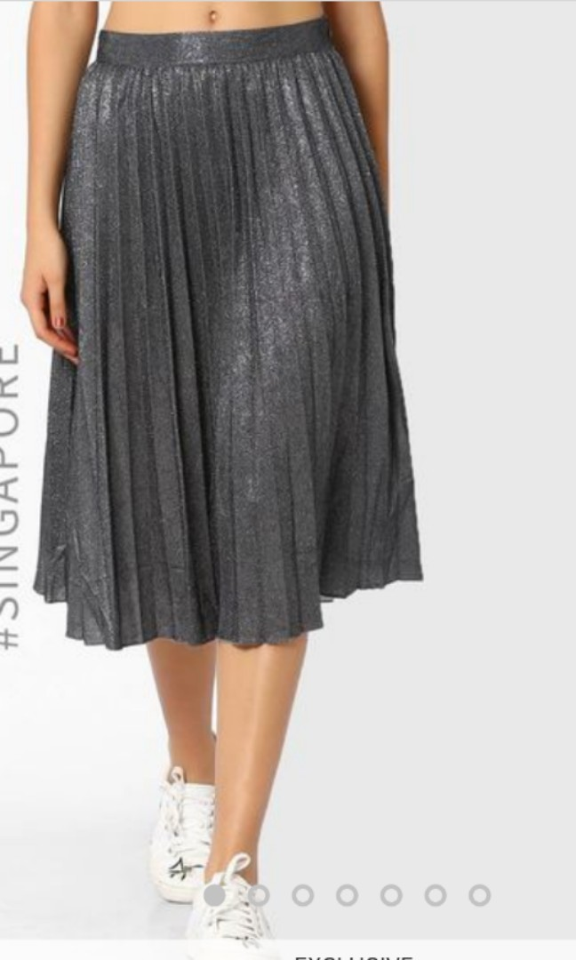 7335d69fb MDS Glitter Pleated Skirt, Women's Fashion, Clothes, Dresses ...