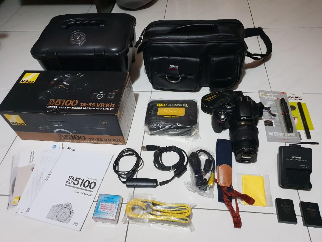 Nikon D5100 on
