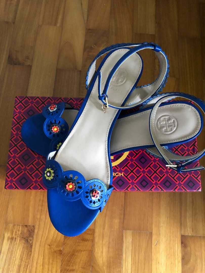 949385b52ce Home · Women s Fashion · Shoes · Heels. photo photo photo photo photo