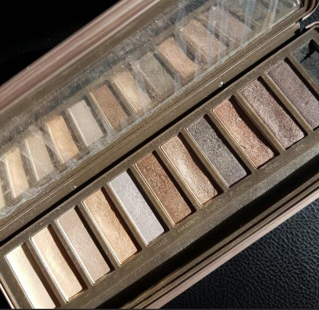 FREE POSTAGE Urban Decay Naked 2 Eyeshadow Pallette