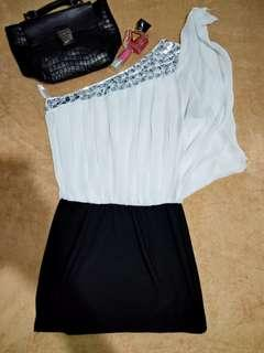 Black and white venus dress ❤❤❤