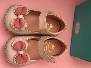 天鵝專櫃鞋