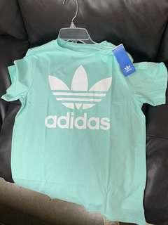 BNWT Adidas logo t-shirt