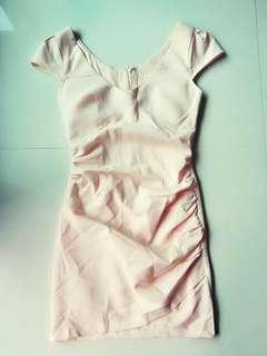 🚚 全新粉膚色合身洋裝