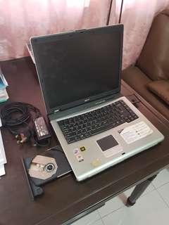 Acer Travelmate 4152LMi laptop