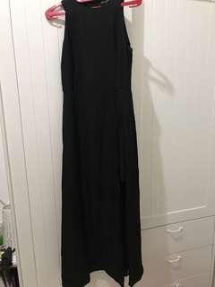 Long Black Gown / gaun hitam pesta