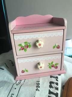 粉紅色士多啤梨文具收納小木櫃