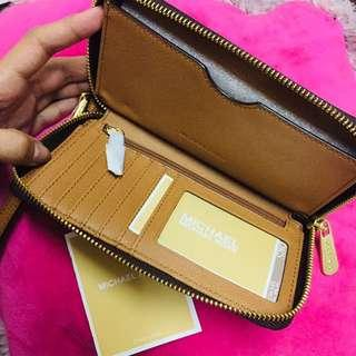 50% OFF 💯 Authentic MK wallet 🤩