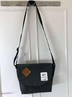 Anello Slingbag Crossbody Unisex Authentic