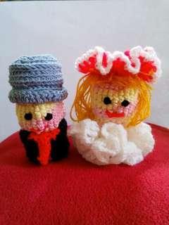 Boneka sepasang pengantin