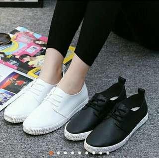 白色小皮鞋