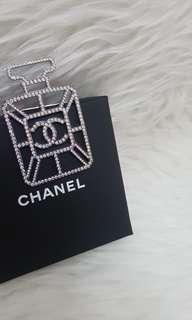 Authentic chanel brooch NEW