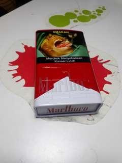 Marlboro casing