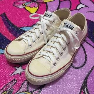 Converse All Star Chuck Taylor Shoes (Authentic) 8.5