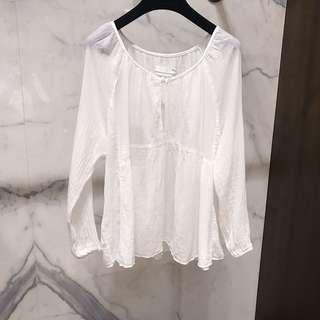 🚚 仙氣薄款白上衣