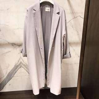 🚚 淺灰長版西裝大衣