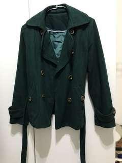 🚚 深綠色短版大衣外套
