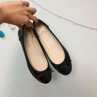 🚚 豆豆鞋、娃娃鞋