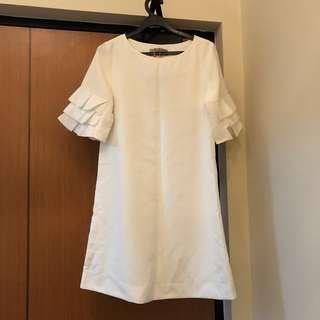 White dress PLANTATION