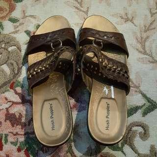 HUSH PUPPIES SANDALS!