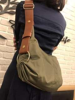 🚚 BAGCOM肩背側背兩用包包
