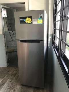 Like new Samsung invertor 4 ticks fridge 322L