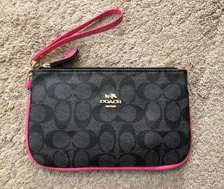Coach Woman's Wrislet Black/Pink