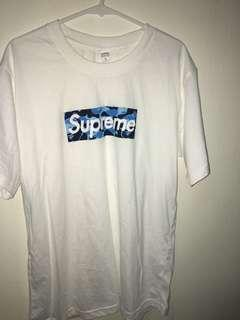 Supreme logo tee