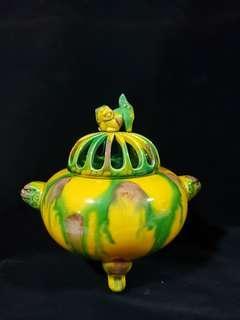 三彩釉香炉。Vintage Sancai Incenser.