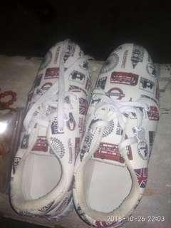 Sepatu kekinian