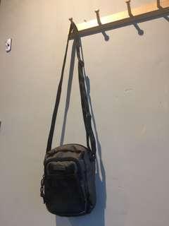 SLING BAG ABBYSAL