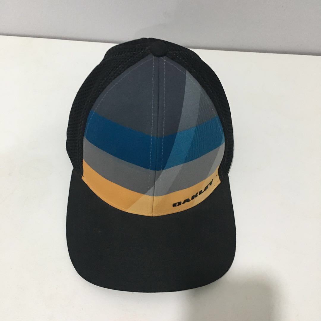 f4bec3a47a0 Authentic Oakley Full Cap