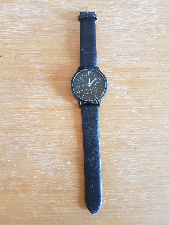 Black Watch黑色手錶