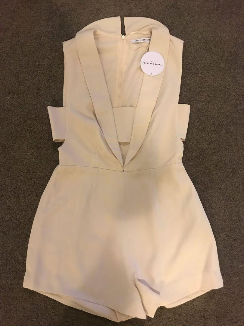 BNWT FINDERS KEEPERS LOGIC PLAYSUIT CREAM SIZE M. FASHION BNKR. RRP: 159.95