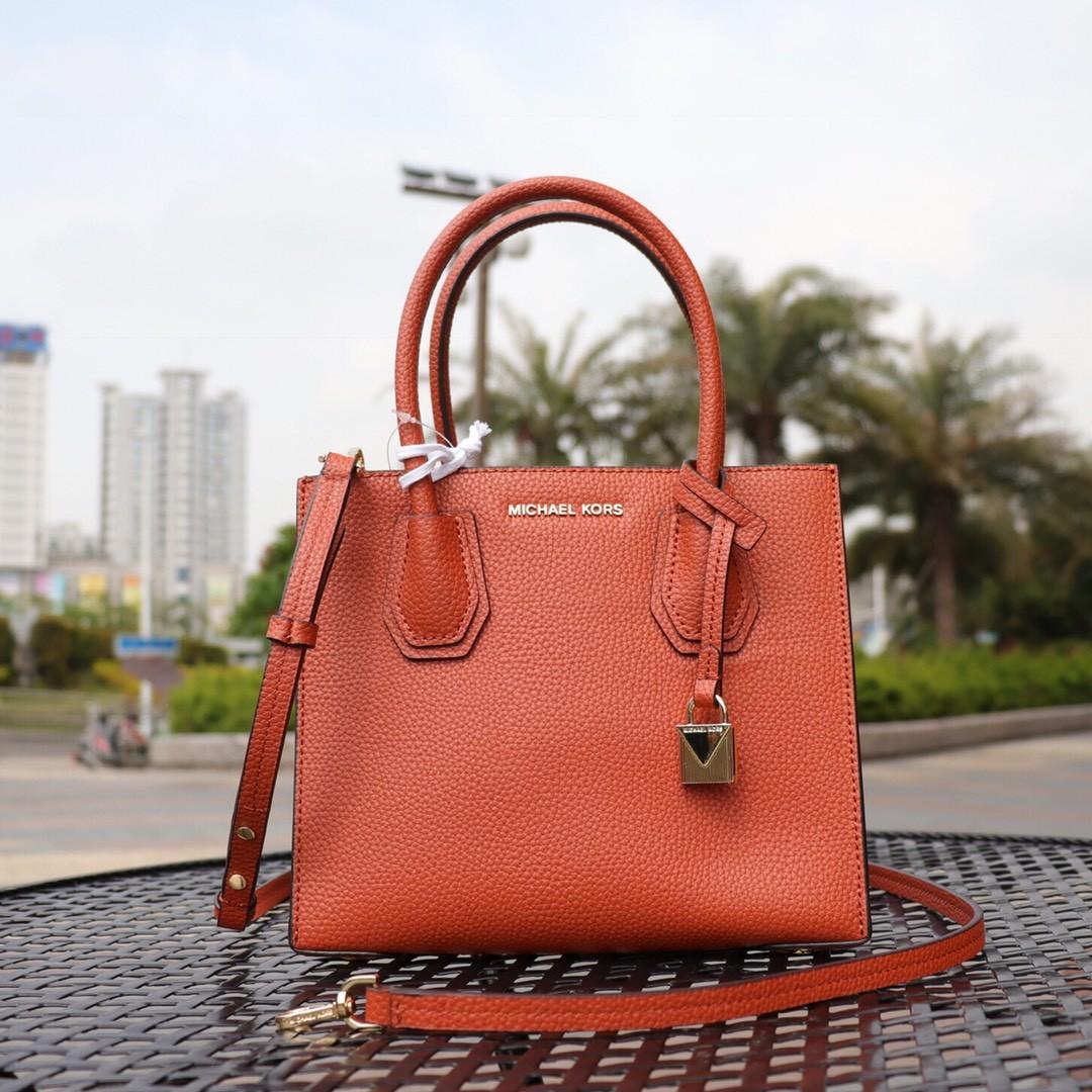 Original Michael Korsr, Luxury, Bags   Wallets, Handbags on Carousell 8a18f505e9