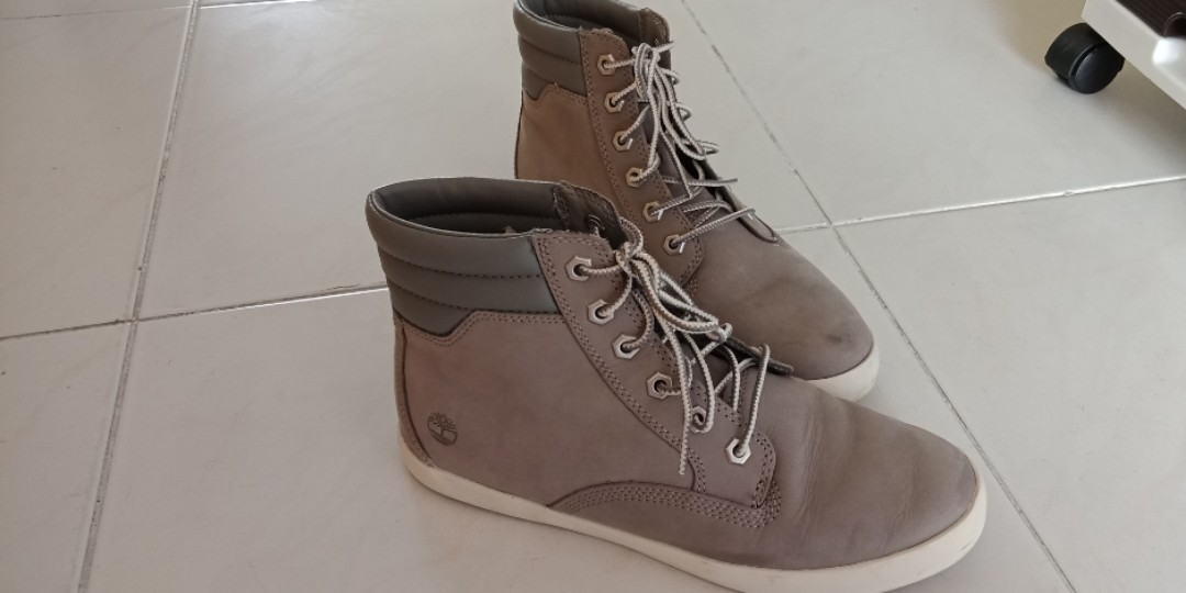 57552dc4da50 Price Negotiable  Timberland Dausette Boots
