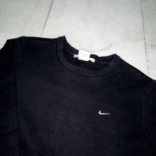 black nike logo sweatshirt