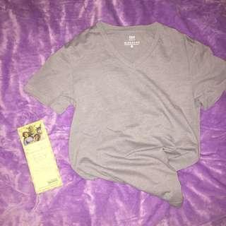 Giordano V neck Tshirt / Tee