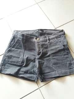 Preloved celana pendek