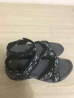 🚚 男款防水防滑涼鞋