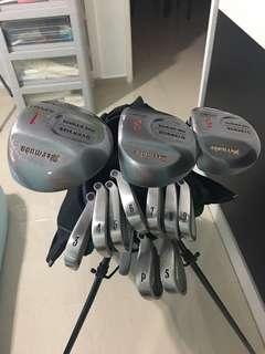 Price dropped: Golf Set