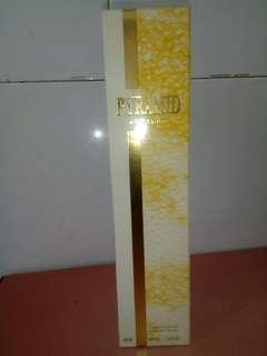 Pyramid parfume