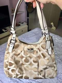 💕Almost new coach shoulder bag💕